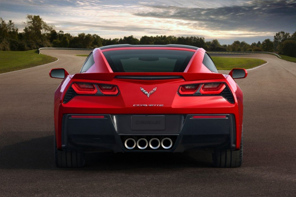 2014-chevrolet-corvette-c7-stingray_interior
