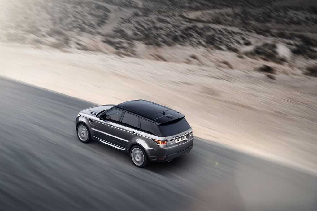 LR_Range_Rover_Sport_Dynamic_03_LowRes