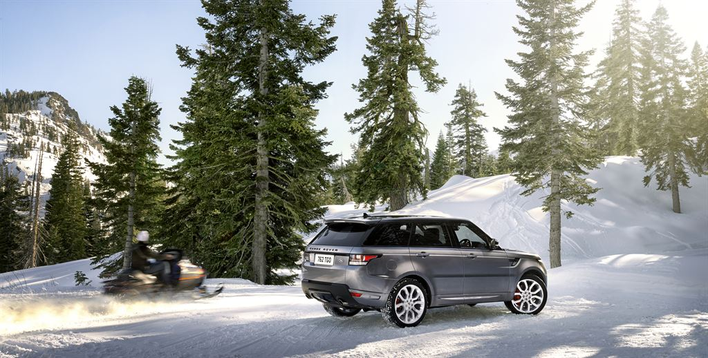 LR_Range_Rover_Sport_Static_House_06_LowRes