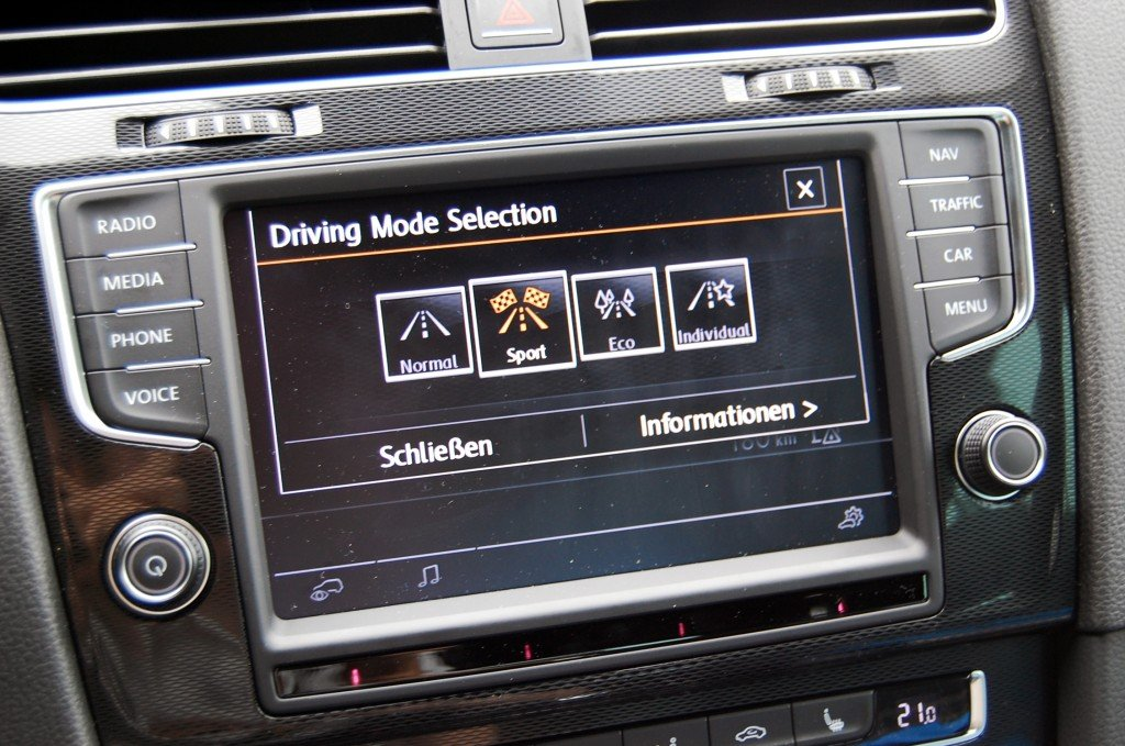 VW Golf 7 GTI Performance Driving Mode Selection
