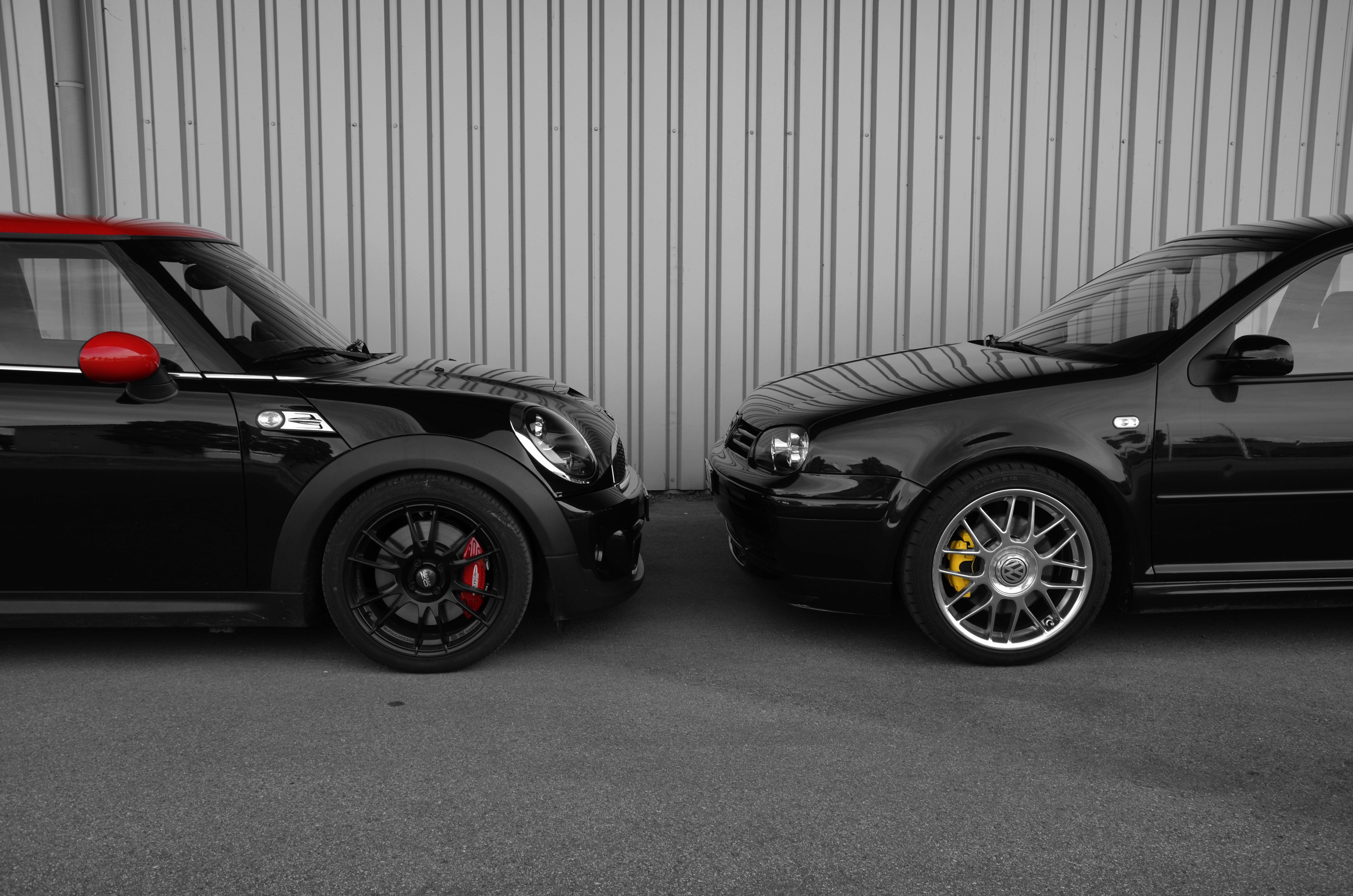 Galerie: MINI John Cooper Works trifft VW Golf IV GTI 25 Years Edition