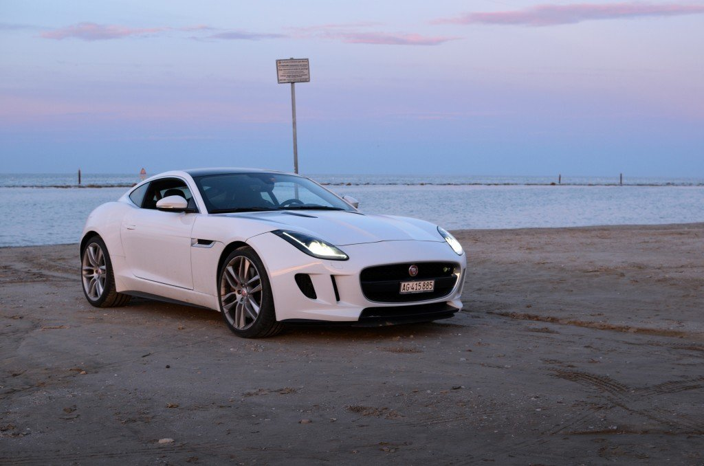 Jaguar F-Type R Coupe #FTypeRoadtrip