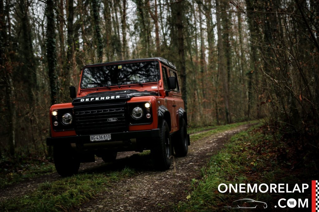 Land Rover Defender 90 Adventure Edition