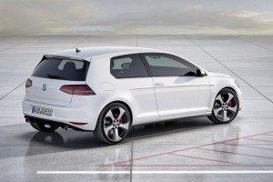 VW_Golf_VII_GTI_back