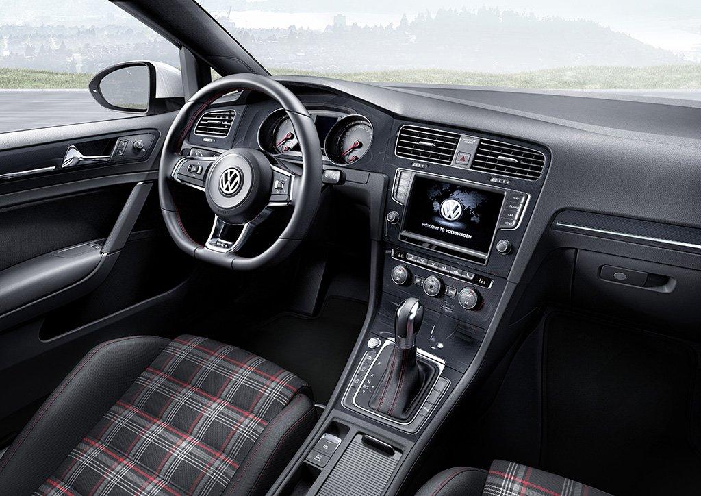 VW Golf GTI 2013 Interior