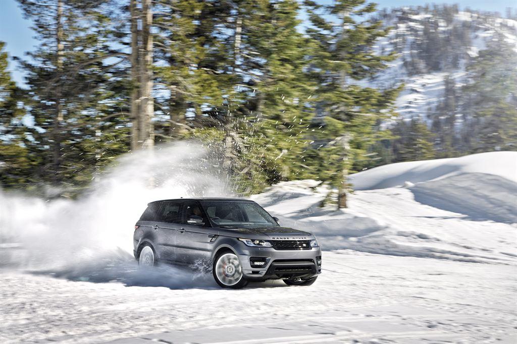 LR_Range_Rover_Sport_Dynamic_04_LowRes