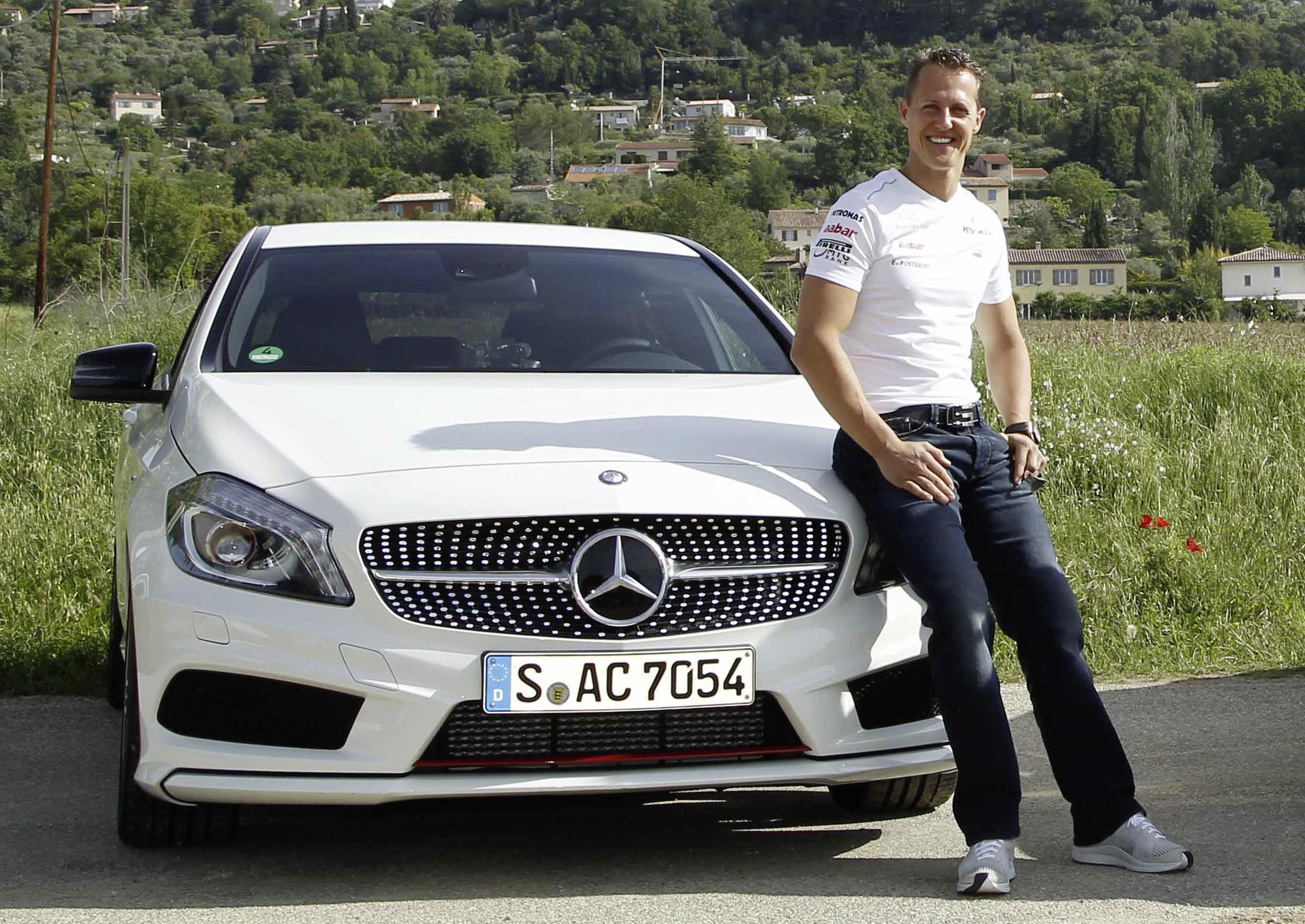 Mercedes-Benz und Michael Schumacher unterzeichnen Partnerschaft