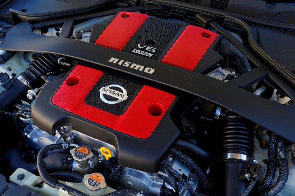 Nissan 370Z Motor im Detail - VQ37VHR