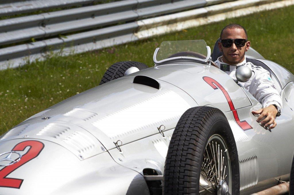 Lewis Hamilton Silberpfeil Nordschleife