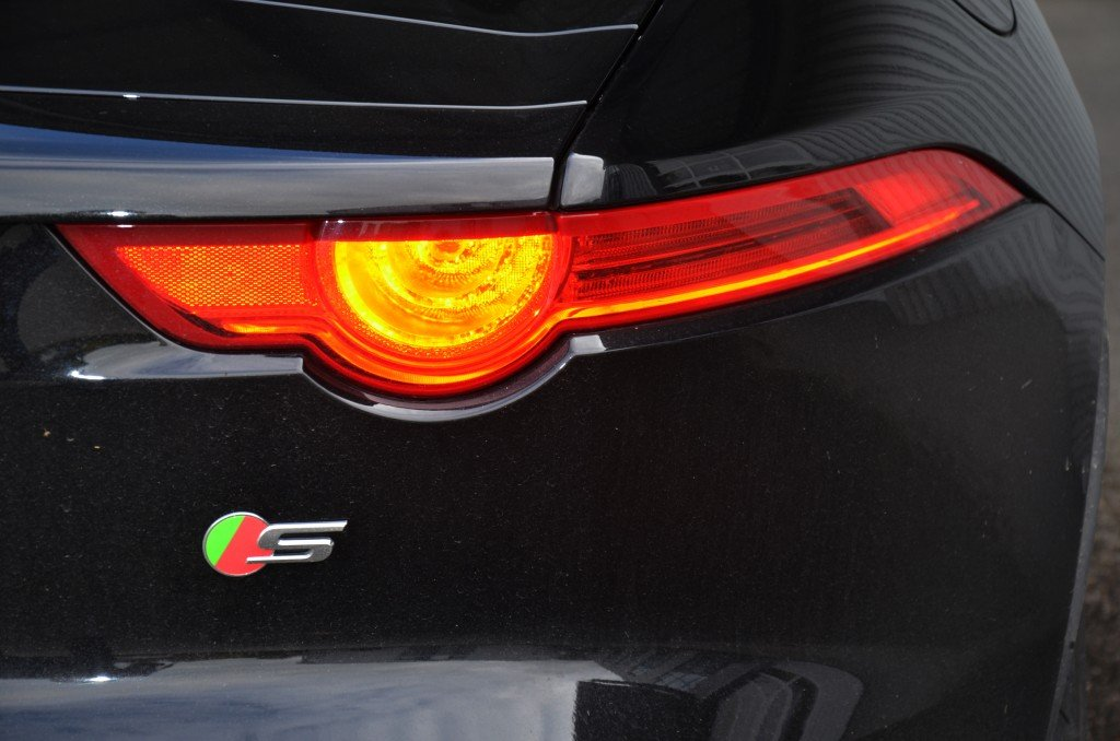 Jaguar F-Type V6 S Rear light
