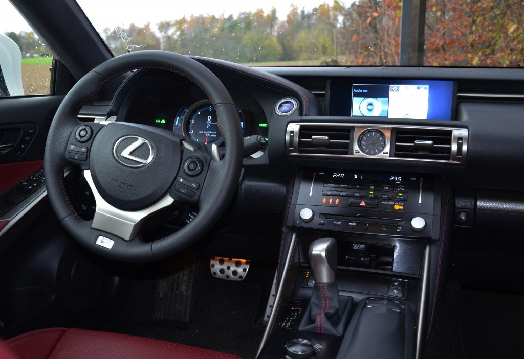 Lexus IS 300h F-Sport Interior