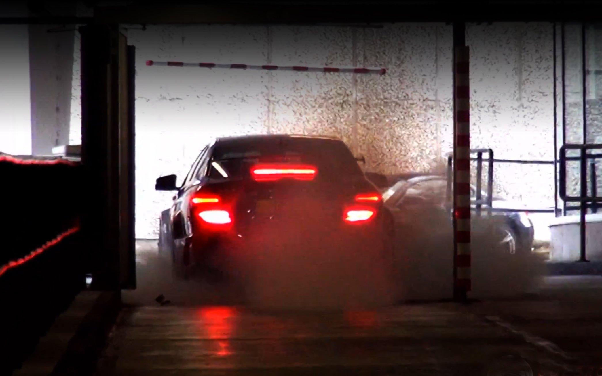 Mercedes-Benz C 63 AMG Black Series löst Feueralarm aus