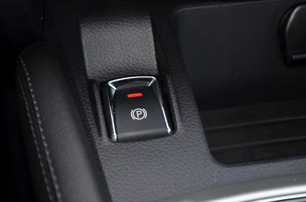Nissan Qashqai elektrische Parkbremse
