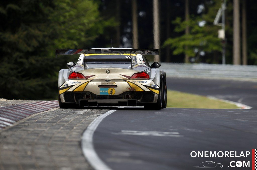 Der brandheisse BMW Z4 GT3 #26 vom BMW Sports Trophy Team Marc VDS