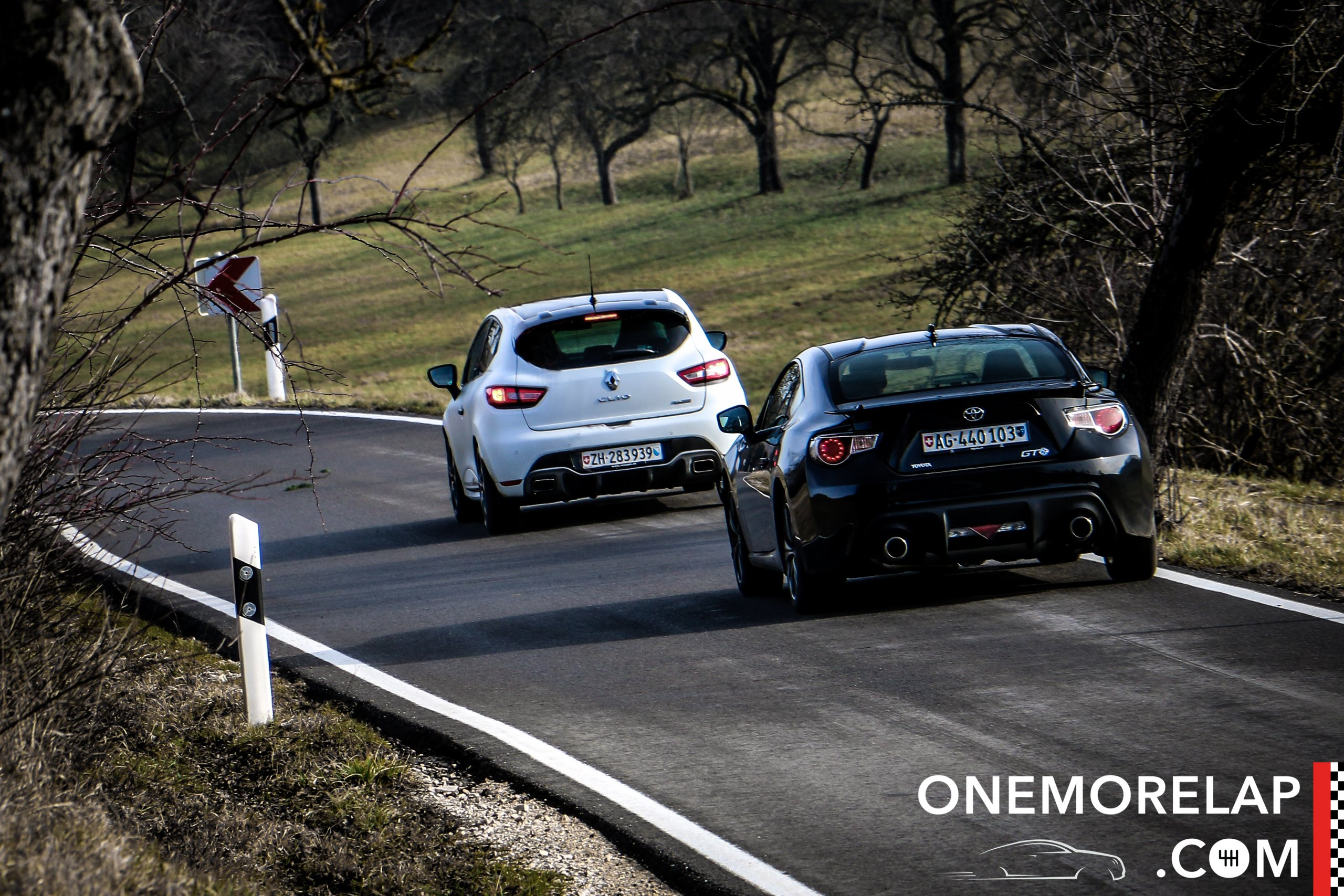 Vergleichstest: Renault Clio RS 220 Trophy und Toyota GT86