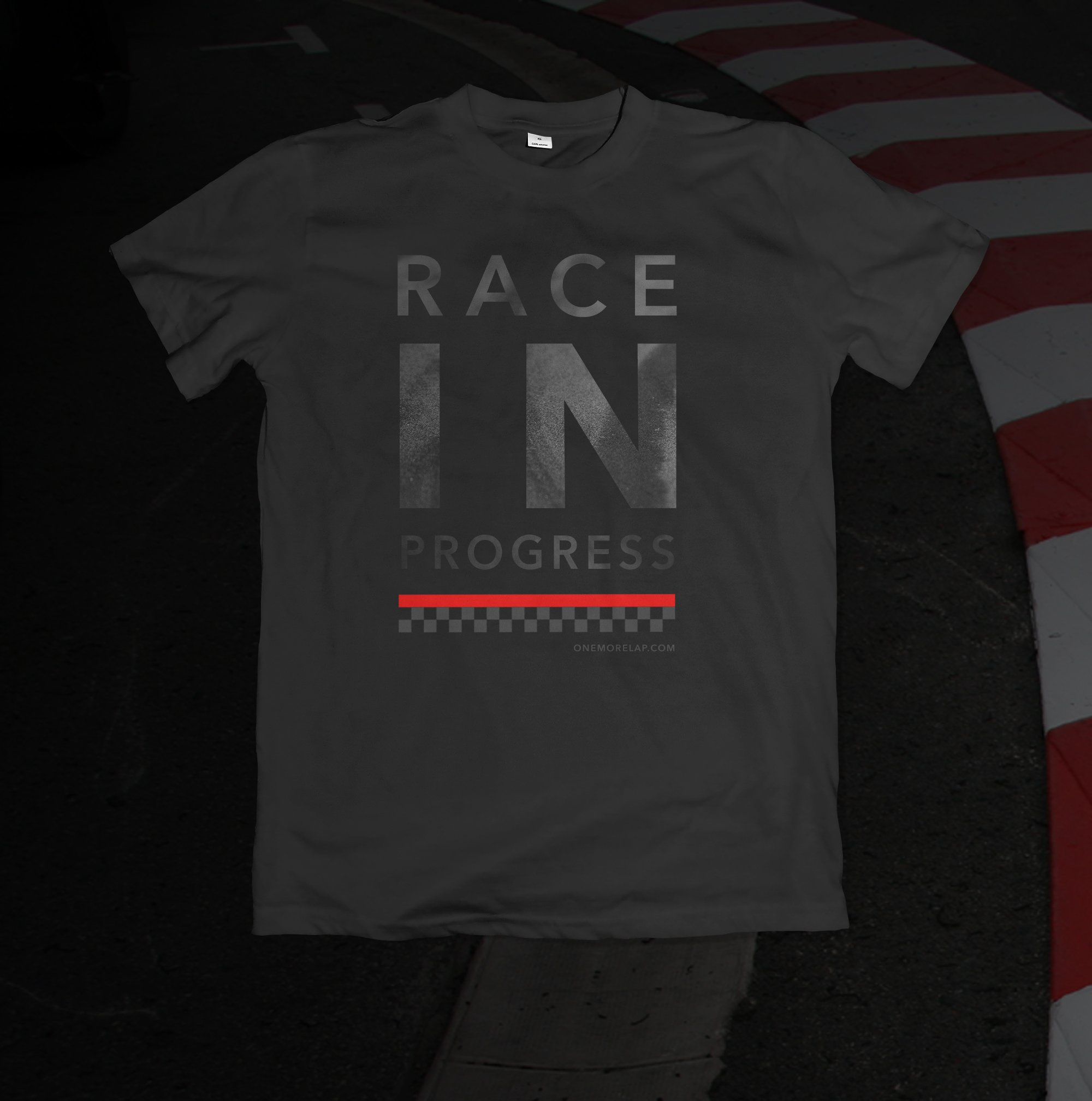"OneMoreLap.com T-Shirt ""Race in Progress"""